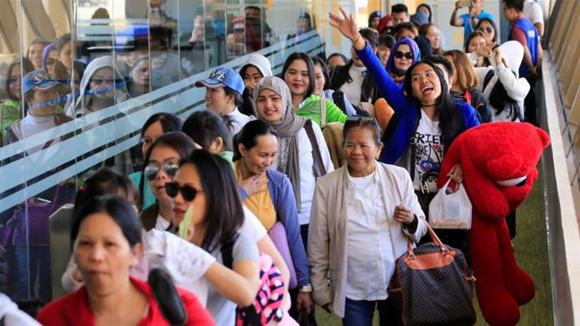 Arriving Filipinas from Kuwait