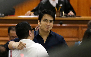 """How the Yellows ruined then popular """"presidentiable"""" Bong Revilla with pork-barrel scam"""